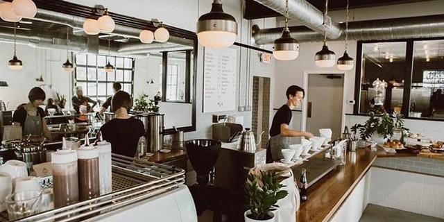 Cách trang trí đèn cho quán cafe tuyệt đẹp